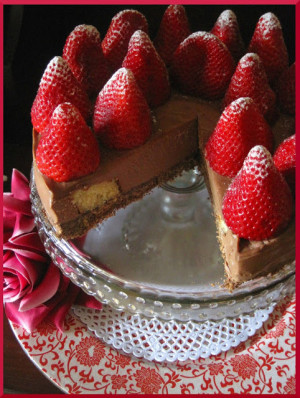 Cheesecake de chocolate y fresas